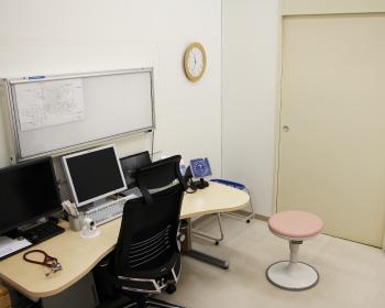 スクエアクリニック 診察室写真